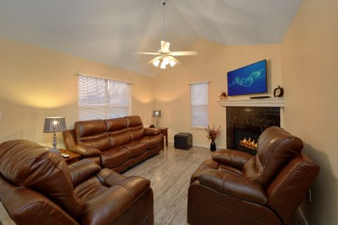 2 bedroom Vacation Home with Fireplace - The Bunkhouse