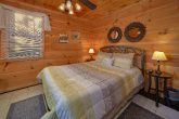 Spacious 4 Bedroom 3 Bath Cabin Sleeps 8