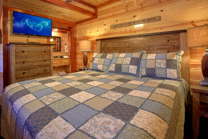 Beautiful Furnished 4 Bedroom Cabin Sleeps 14 - The Only TenISee