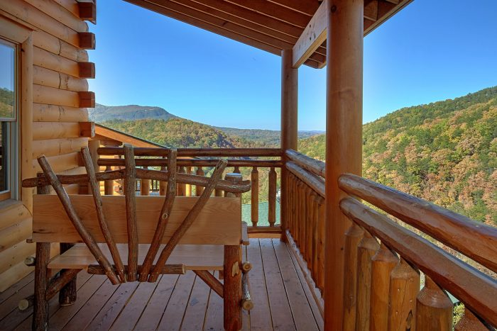 Beautiful 4 Bedroom Cabin with Indoor Pool - The Only TenISee