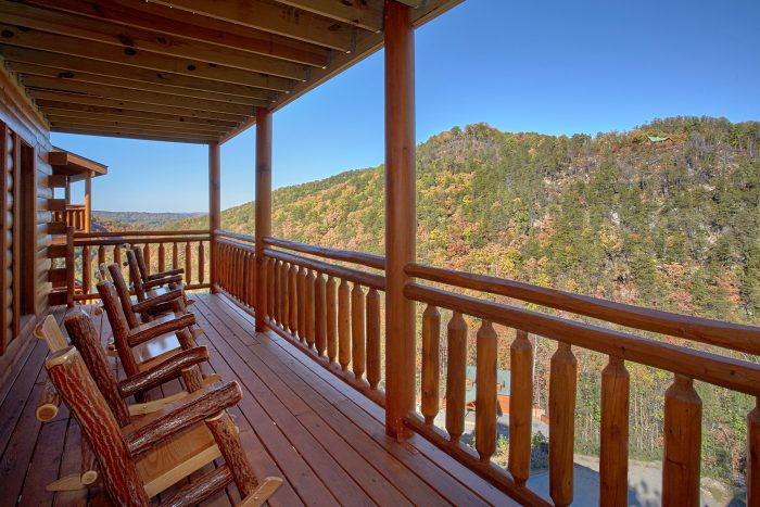 Mountain Views 4 Bedroom Cabin Sleeps 14 - The Only TenISee