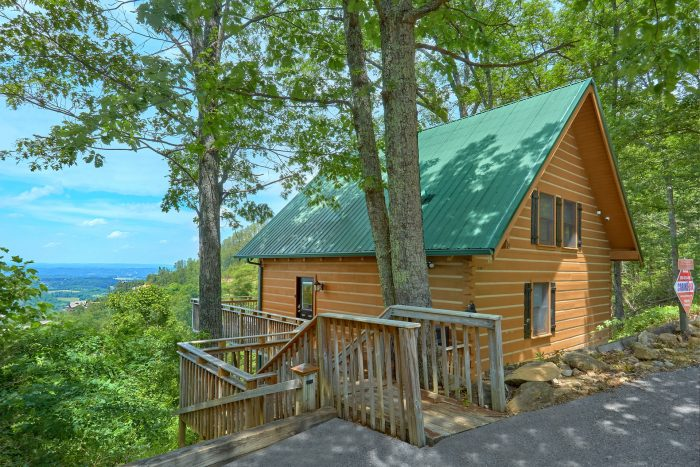 The Overlook Cabin Rental Photo