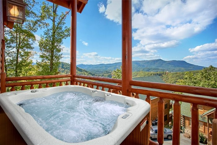 Luxurious Cabin with pool, Game Room & Hot Tub - The Preserve