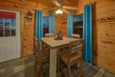Luxurious 2 Bedroom Cabin with Dining Room