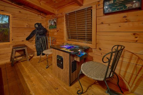 Arcade Game and Pool Table 2 Bedroom Cabin - The Waterlog