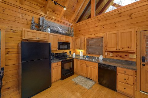 Spacious Full Kitchen - The Woodsy Rest