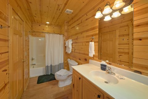 4 Bedroom 3 Bath Cabin in Summit View - The Woodsy Rest