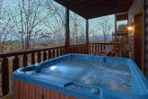 4 Bedroom Cabin with Private Hot Tub with View