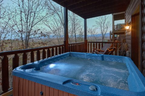 4 Bedroom Cabin with Private Hot Tub with View - The Woodsy Rest