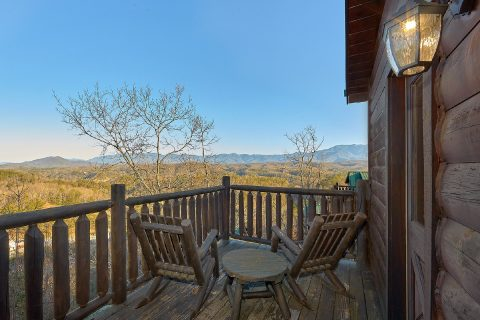 4 Bedroom Cabin with Views Sleeps 14 - The Woodsy Rest