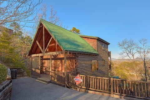 The Woodsy Rest 4 Bedroom Cabin Sleeps 14 - The Woodsy Rest