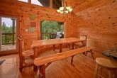 7 bedroom cabin with gas grill
