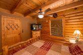 Luxurious 2 Bedroom Cabin Sleeps 8