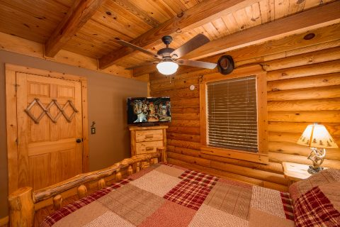 Luxurious 2 Bedroom Cabin Sleeps 8 - Tin Pan Alley