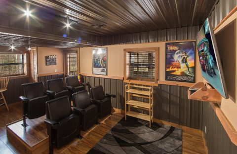 Theater Room Area 2 Bedroom Cabin Sleeps 8 - Tin Pan Alley