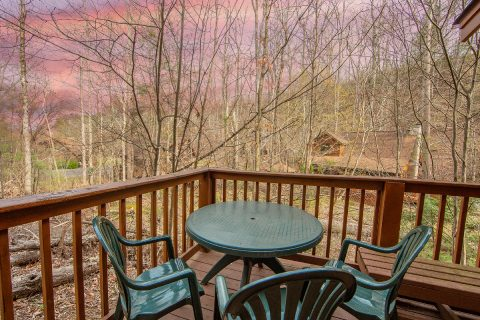 2 Bedroom Cabin Sleeps 8 Out Door Seating - Tin Pan Alley