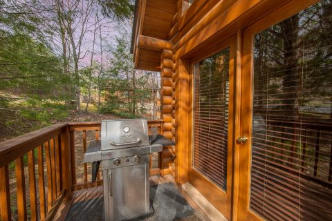 Gas Grill 2 Bedroom Pigeon Forge Cabin Sleeps 8 - Tin Pan Alley