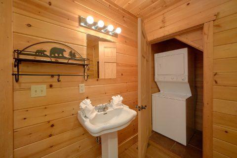 Washer and Dryer 2 Bedroom Cabin Sleeps 6 - TipTop