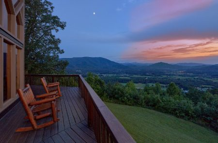 Bluff Mountain Lodge: 6 Bedroom Sevierville Cabin Rental