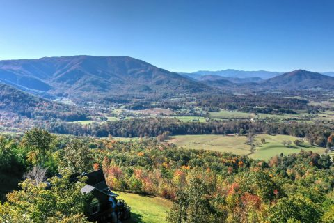 Private Luxury cabin with Views of the Smokies - Top of the World