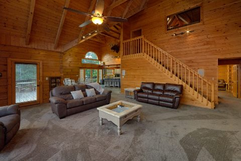 6 bedroom cabin with spacious living room - Top Of The World