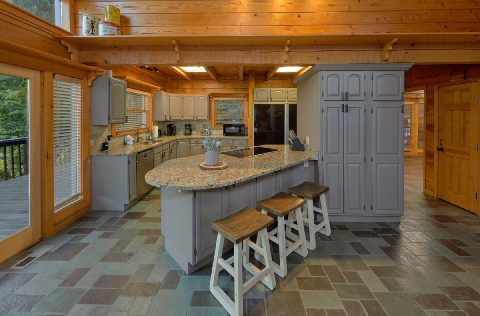 Fully Furnished Kitchen in luxury cabin rental - Top Of The World
