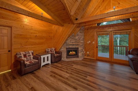 6 bedroom cabin with Luxurious Master bath - Top Of The World