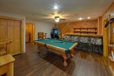 Luxury 6 bedroom rental cabin with Pool table