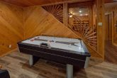 6 bedroom cabin game room with air hockey