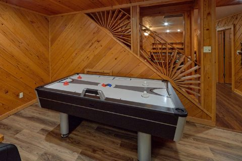 6 bedroom cabin game room with air hockey - Top of the World