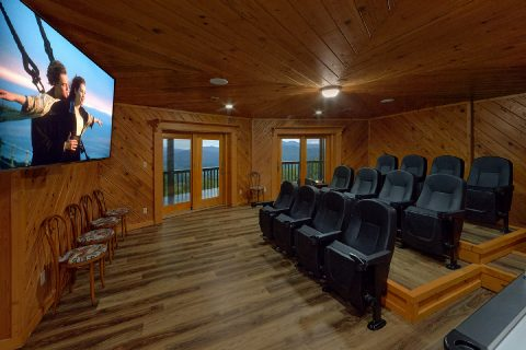 Premium 6 bedroom cabin with Theater Room - Top of the World