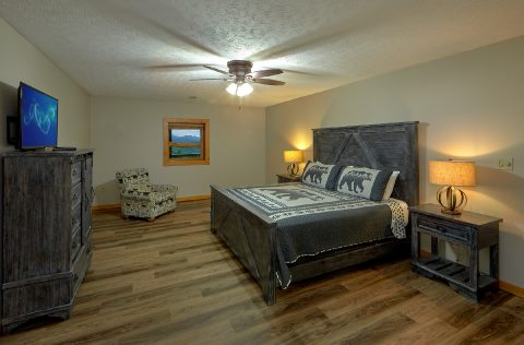 6 bedroom cabin with 2 spacious King Suites - Top of the World