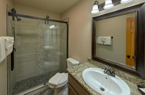 Luxurious Master Bathroom shower in cabin - Top of the World