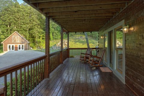 Premier Cabin Rental with Private Pool House - Top of the World