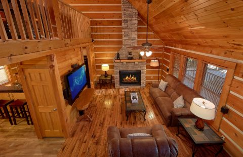 Beautiful 4 Bedroom Cabin Sleeps 14 - Tranquility