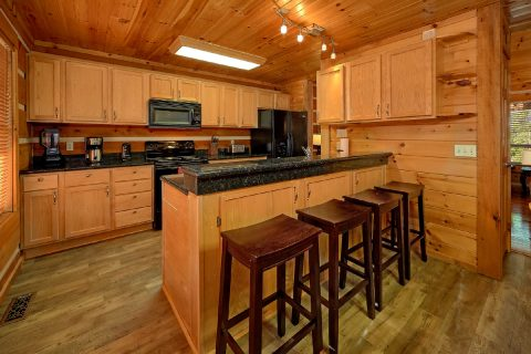 Kitchen Breakfast Bar 4 Bedroom Cabin Sleep 14 - Tranquility