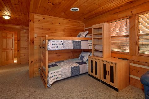 4 Bedroom Cabin Sleeps 14 Bunk Beds in Open Loft - Tranquility