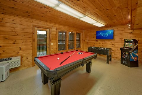 Lower Level Game Room with Pool Table - Tranquility