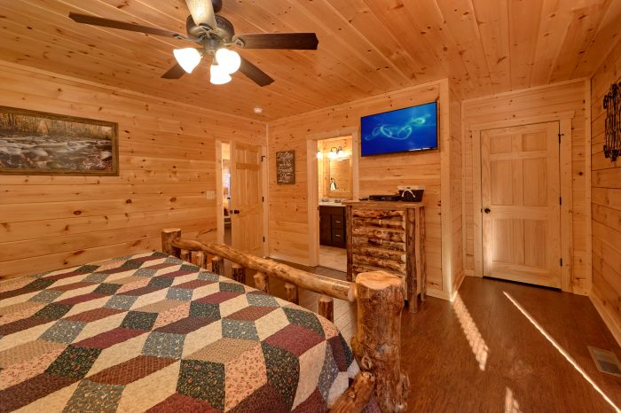 5 Bedroom Pool Cabin in the Smoky Mountains - TrinQuility View