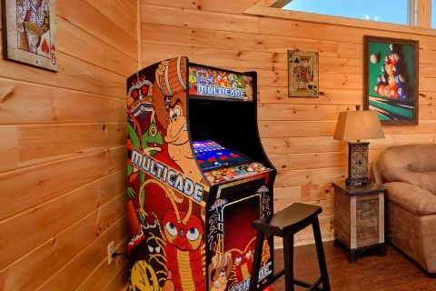 5 Bedroom Cabin with an Multi-Cade Arcade Game - TrinQuility View