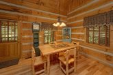 1 Bedroom Cabin with dining room and fireplace