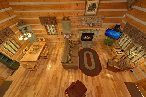 Rustic Cabin with 1 bedroom, fireplace and loft - Turtle Dovin'