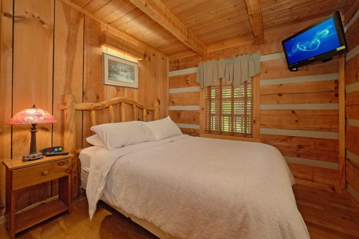 1 Bedroom Cabin with Private queen bedroom - Turtle Dovin'