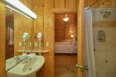 1 Bedroom Cabin with 2 Full bathrooms