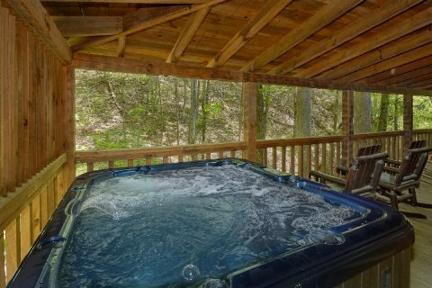 Pigeon Forge Cabin with private Hot Tub on deck - Turtle Dovin'