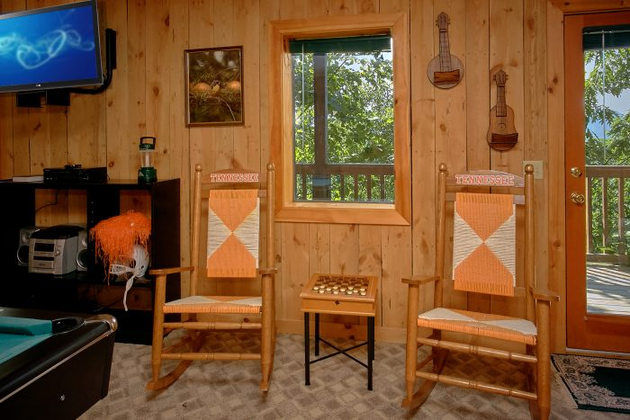 Rustic 1 Bedroom Cabin with Game Room - Valley View