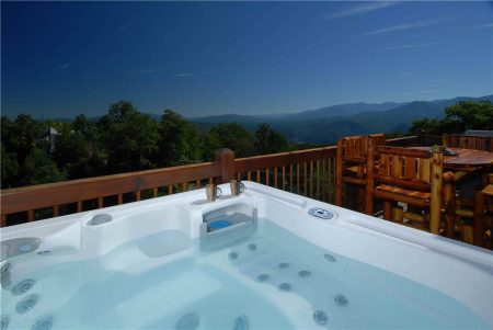 Skiing With The Bears: 3 Bedroom Gatlinburg Cabin Rental