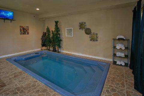 Indoor Pool 3 bedroom Gatlinburg Cabin Sleep 12 - View Topia Falls