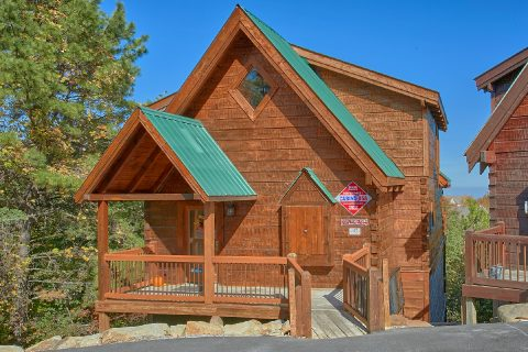 3 Bedroom Cabin Sleeps12 with Indoor Pool - View Topia Falls