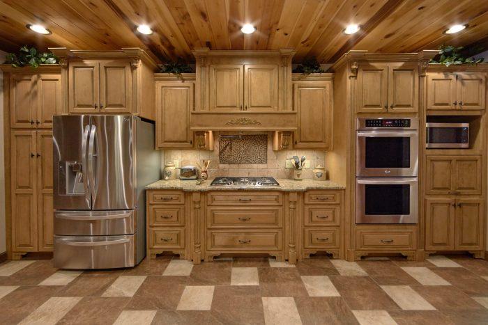 Premium Cabin Rental with spacious Kitchen Area - Bluff Mountain Lodge